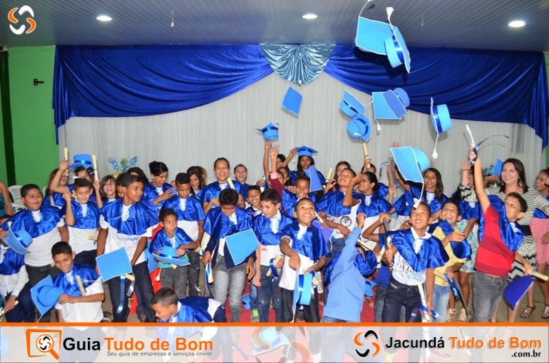 Formatura alunos do 5º ano 2015 - Escola Criança Feliz