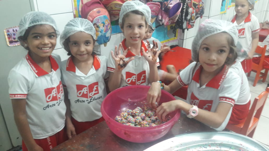 III Feira do Pequeno Empreendedor - Escola Arte de Educar de Jacundá