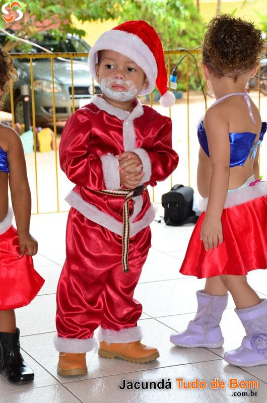 Papai Noel chega à Creche Nossa Sra. Aparecida - 2016