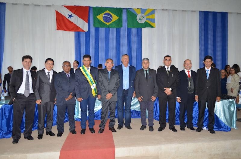 Vereadores, vice-prefeito Manoel da Leolar e prefeito Célio Boiadeiro de Eldorado dos Carajás. (Foto: Wyll Silva/Carajás Tudo de Bom)