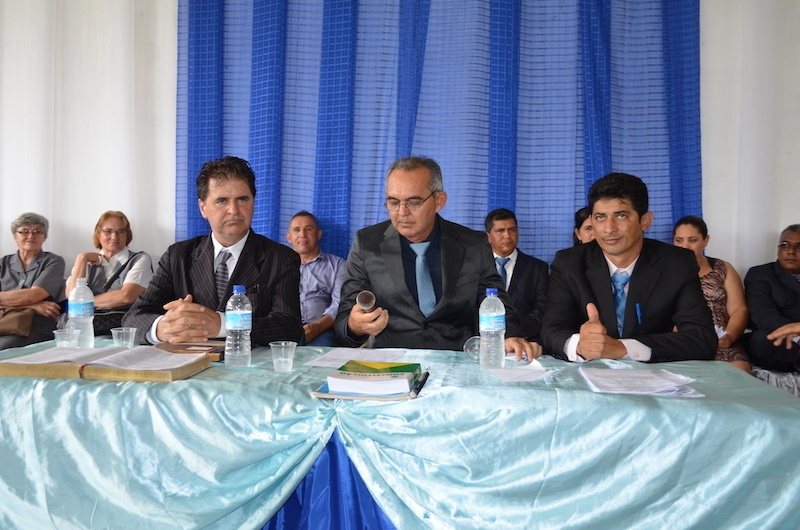 Presidente - Heraldo José Pinheiro de Farias (centro), 1º Secretário - Sérgio Soares Moraes de Jesus (esquerda) e 2º Secretário - Deusdete Alves da Silva (direita). (Foto: Carajás Tudo de Bom/Wyll Silva)