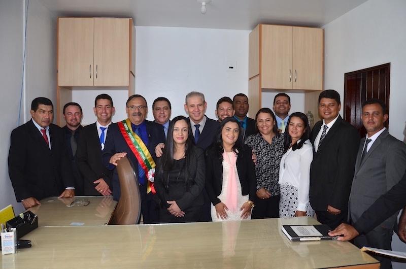 Vereadores, deputado Chamon, Zé Martins e Ismael no gabinete da Prefeitura de Jacundá. (Foto: Carajás Tudo de Bom/Gilmar Mota)