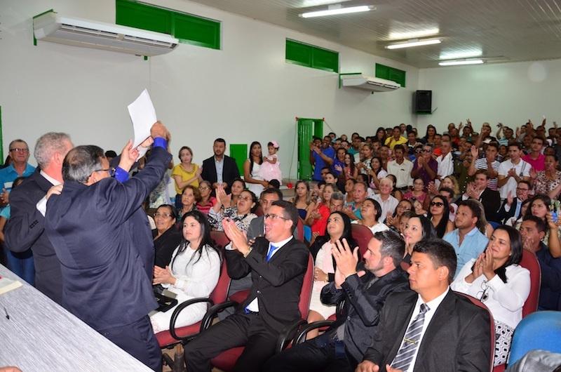 Zé Martins e Ismael são empossados na Câmara Municipal de Jacundá. (Foto: Carajás Tudo de Bom/Gilmar Mota)