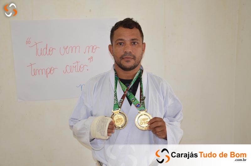 Mosaniel Alves dos Santos Professor